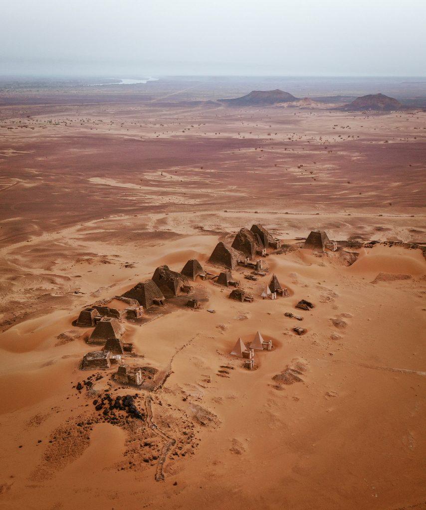 Pyramids of Meroe www.tours.sd